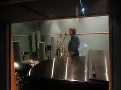 Randy Morris sings