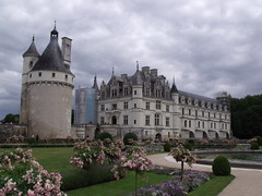 Chateau Chenonceau (ell brown) Tags: france scaffolding unescoworldheritagesite unesco worldheritagesite loirevalley renaissance chenonceau chateaux maryqueenofscots chenonceaux touraine indreetloire chateauchenonceau rivercher francisiioffrance heartoftheloirevalley