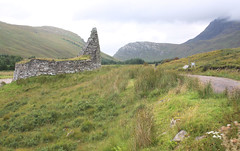 Dun Dornaigil Broch from the south side, of the iron age tower (Shandchem) Tags: tower stone scotland iron dry more age sutherland dun broch strath dornaigil
