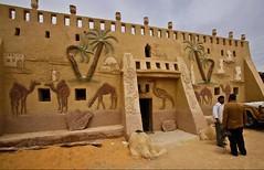 (673) An Artist In the Oasis of Farafra (avalon20_(mac)) Tags: africa travel sahara nature geotagged sand egypt oasis 500 misr eos40d schulzaktivreisen