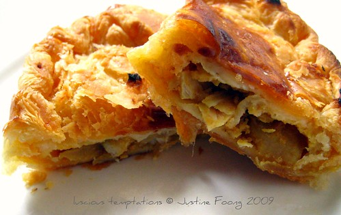Uncle Lim's Chicken Curry Puffs