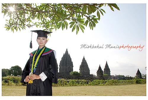10 Best Foto Prewedding Jogja Paket Foto Pre Wedding: Foto Wisuda Di Candi Prambanan