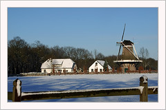 holland-tradition (Don Pedro de Carrion de los Condes !) Tags: snow dutch sneeuw appel typical winters molen nijkerk donpedro vorst koude driedorp koudewinter
