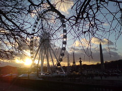 Let the sun shine (genunine) Tags: paris placedelaconcorde roue genunine