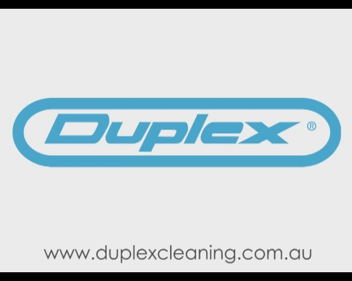 Cleaning upholstery with Duplex Steam