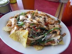 taqueria el rey del taco - chicken fajita nachos