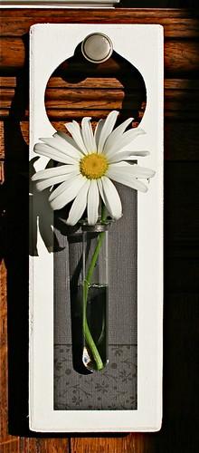 doorhanger with flower/een deurhanger/vaasje