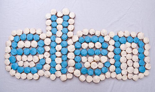 ellen's logo made from mini-cupcakes