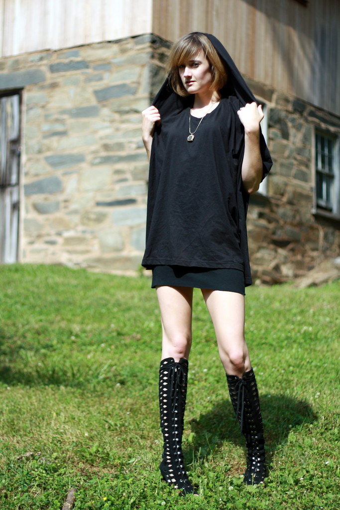 Goth in Hot Weather