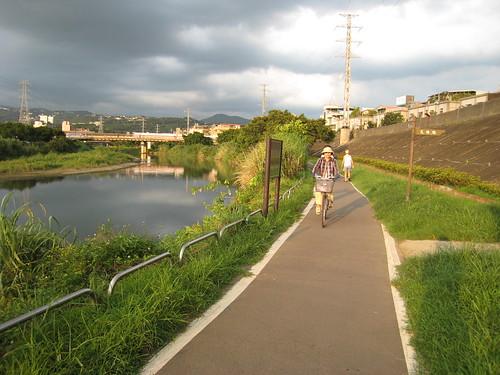 河堤,既雨且晴