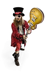 Kaptein Rdskjegg (Glenn Meling) Tags: red portrait hat boots guitar glenn odd pirate gibson kaptein karlsen gibsonlespaul strobist glennkarlsen rdskjegg skjaerbekk kapteinrdskjegg skjrbekk