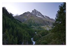 Besso (DaAnda) Tags: mountains nature rock landscape schweiz switzerland photo nikon foto hiking natur berge mountaineering fels helvetia dslr landschaft wallis valais besso d80 nikond80 unterwallis valdanniviers