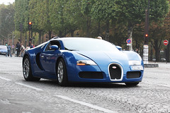 Bugatti Veyron Grand sport (Goldeneye911) Tags: paris cars car wheel sport canon french amazing nice europa europe european photoshoot awesome champs grand automotive voiture shooting motor years 100 autos rims bugatti supercar luxe w16 veyron roue elysee vehicule jantes exclusiv 450d supercarfrance