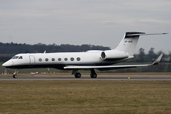 VP-BGN - Private - Gulfstream G550 - Luton - 090227 - Steven Gray - IMG_0123