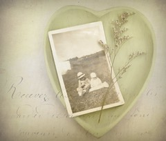 Somebodys Memory (luvpublishing) Tags: old green texture vintage heart antique text snapshot memories overlay oldphotograph picnik driedflower layered vintagesnapshot softdreamyandethereal