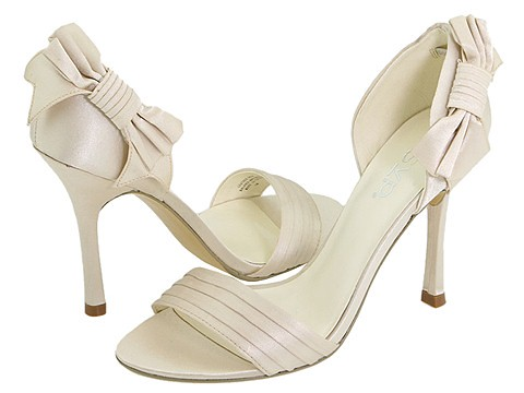 Shoes for engagement or marriage.
