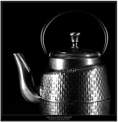 Cafetera II (Luis de la Fuente Snchez) Tags: bw cafe negro bn texturas acero cafetera eos1dmarkiin bodegon ef8512
