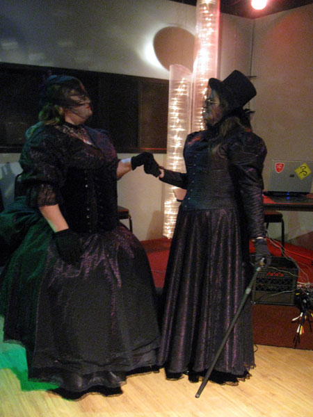 Victorian Ladies (Click to enlarge)