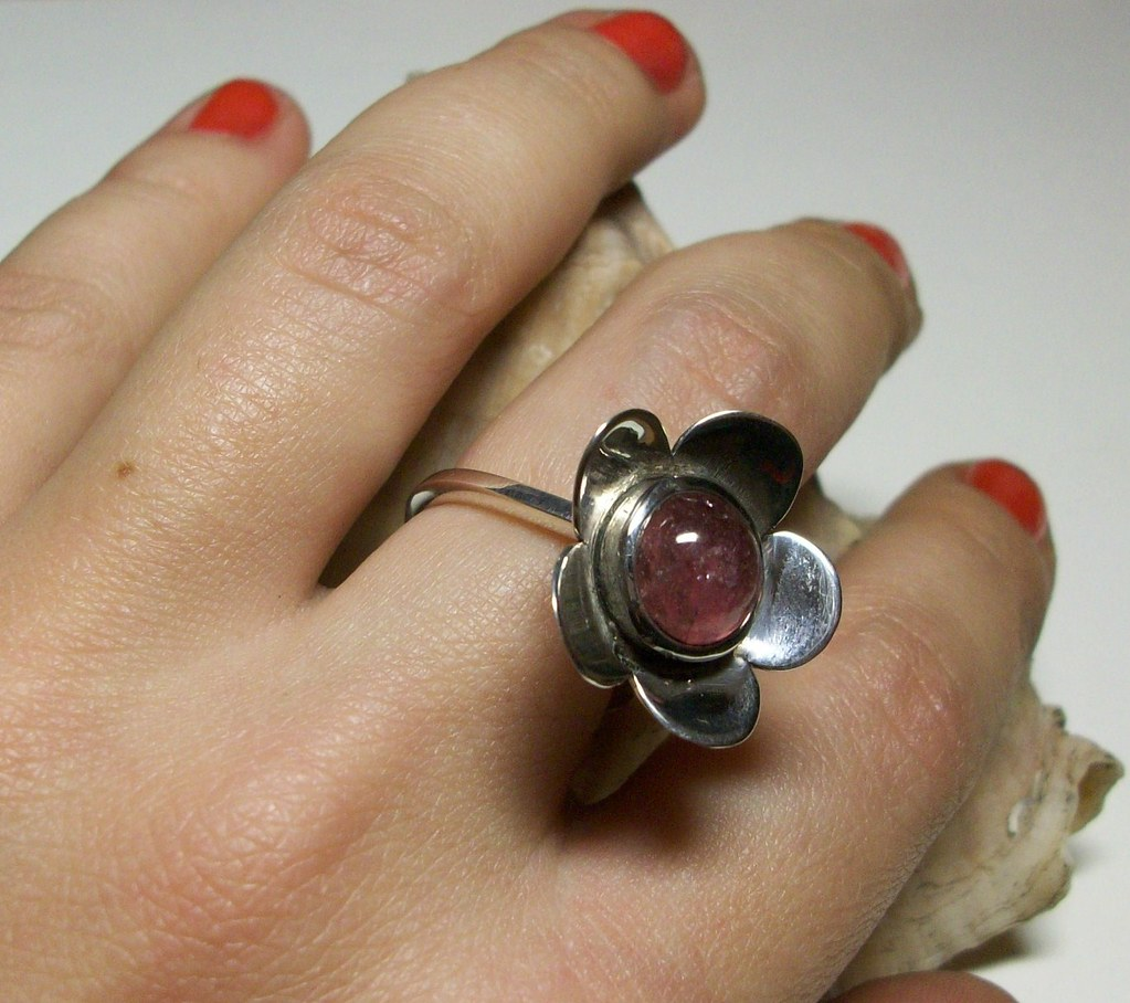 Flower ring with Tourmaline
