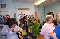 mlw.enjoy trunk show (mlw.enjoy) Tags: felted ma michael handmade unique oneofakind sewing newengland sew event enjoy salon handbags purses totes attleboro trunkshow shoulderbags wherley seales mlwenjoy bodhianecosalon