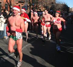 2009 Santa Speedo Run (BearLeft) Tags: charity winter boston speedo santaspeedorun