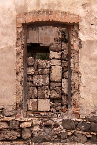 Cañada Morelos, La Casa Colorada by guillermo.sandersg