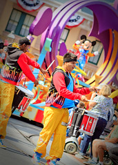 ~Soundsational - Drummers~ (SDG-Pictures) Tags: california costumes canon fun dance dancing disneyland joy performance performing disney entertainment characters perform southerncalifornia orangecounty anaheim enjoyment themepark entertaining disneylandresort disneycharacters 6811 disneylandpark disneylandcharacters takenbystepheng soundsational mickeyssoundsationalparade june82011 soundsationalparade soundsationalcostumes soundsationalperformers soundsationalpictures