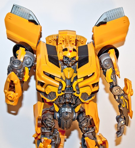 transformers dark of the moon bumblebee leader class. Bumblebee Dark of The Moon