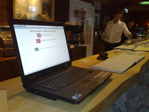 Webconverger with guest satisfaction survey at the reception of Tørvis Hotell