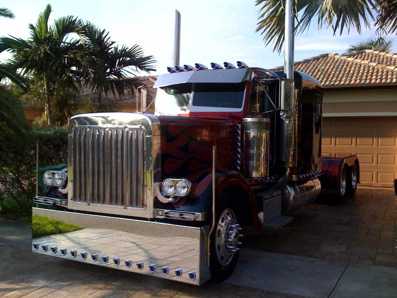 Peterbilt Optimus Prime Miami