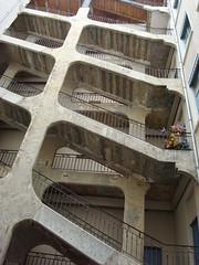 La Cour de Voraces  Lyon (1) (Mhln) Tags: lyon passages escalier cour croixrousse traboules voraces lyon2009