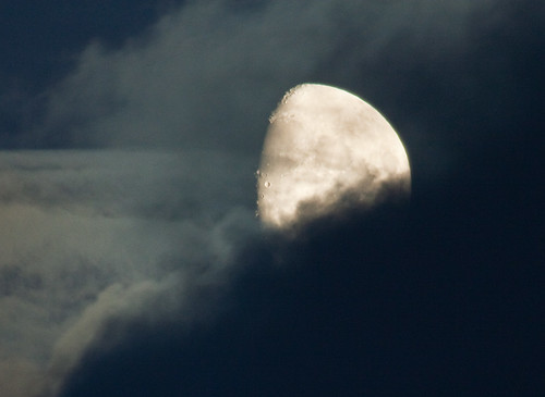 Mond_in_Wolken_MG_9511-b.jpg