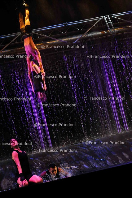 waterwall teatro smeraldo by francesco prandoni