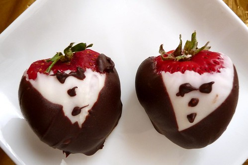 """Tuxedo"" Dipped Strawberries"