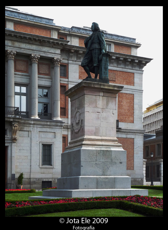 Fachada Sur y Monumento a Murillo
