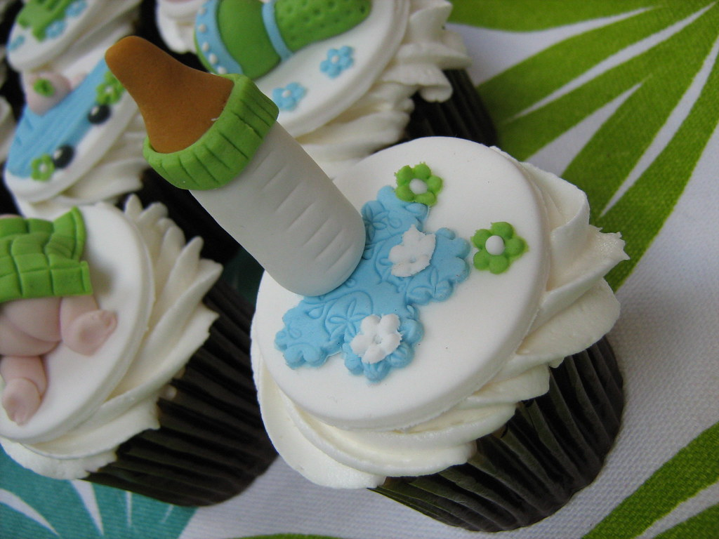 milk bottle baby shower cupcake