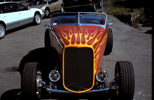 '32 Ford Roadster by Well Oiled Machines