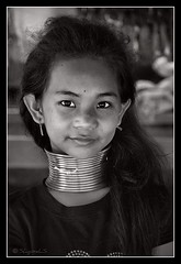 Longneck again (SLpixeLS) Tags: travel portrait people blackandwhite girl thailand necklace asia southeastasia village faces noiretblanc burma traditional tribal karen thalande ring rings longneck tribes myanmar asie tribe ethnic brass burmese mujeres birma coils bodymodification indigenous villagers padang hilltribe maehongson longnecktribe tribu padong theface longnecks padaung birmanie jirafa jeunefille collo kayan longo femmegirafe birmania karenni folkclore longneckkaren mujeresjirafa burmeseborder paduang mywinners collolungo earthasia giraffewomen padaoung