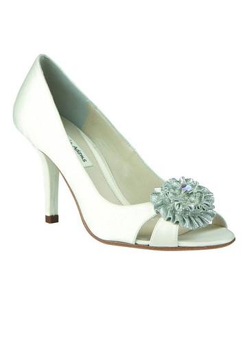 Wedding shoes silk.