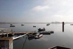 "Tejo... em dia de nevoeiro 3 (Miguel Tavares Cardoso) Tags: portugal rio river boats barcos tejo tajo tagus montijo otw miguelcardoso beautifulexpression flickraward ilustrarportugal ""nikonflickraward"" miguelcardoso2008 migueltavarescardoso"