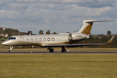 4K-MEK8 - 5204 - SW Business Aviation - Gulfstream G550 - Luton - 091102 - Steven Gray - IMG_3184
