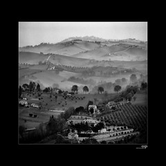 Misty Hills - Macerata, Marche (Italy) (Osvaldo_Zoom) Tags: bw italy mist misty rural canon square landscape hill hills marche macerata g7 mynativetown