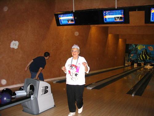 Grandma's Bowling B-day 1