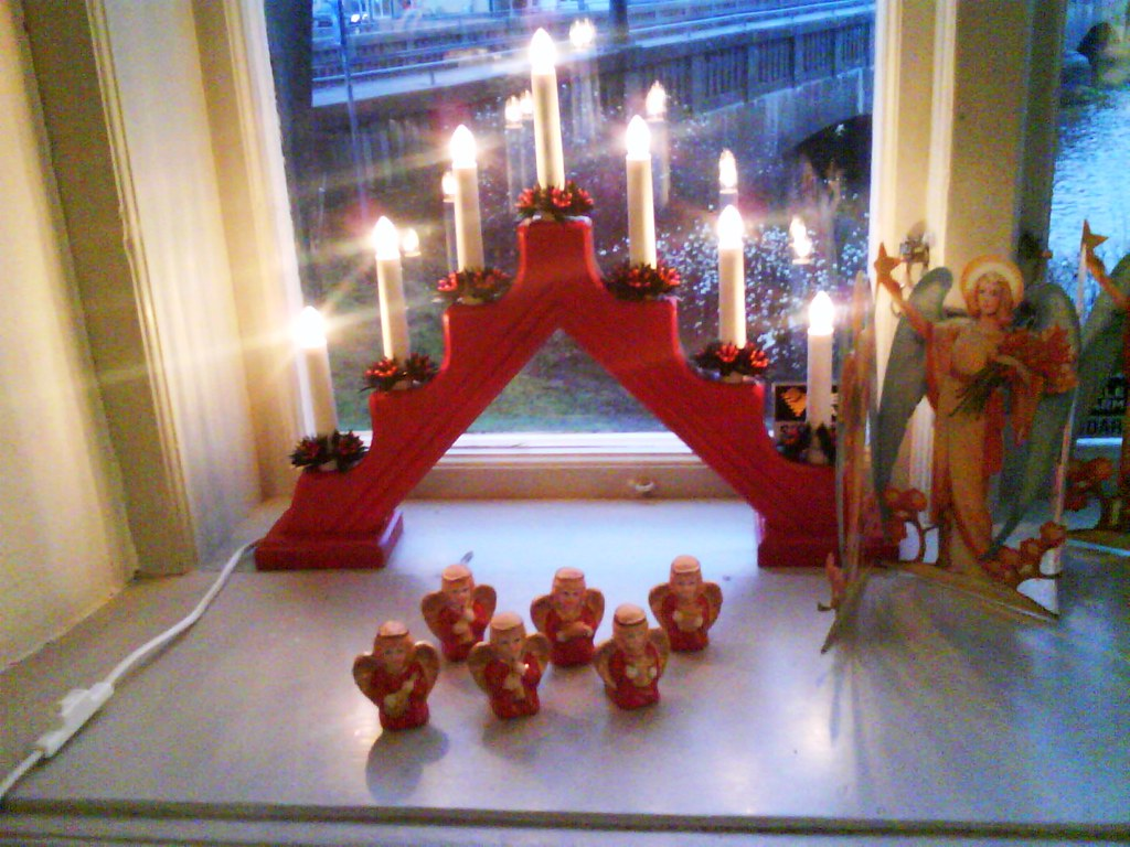 traditional light decoration in sweden - Swedish Christmas Decorations