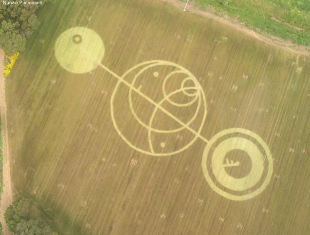 crop_circle_Sabaudia_4giugno2004