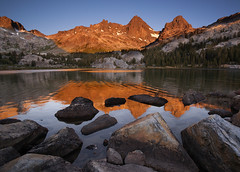 Ediza Sunrise (Mike Hornblade) Tags: summer sunrise backpacking sierranevada bannerpeak mtritter lakeediza variosonnar163528za