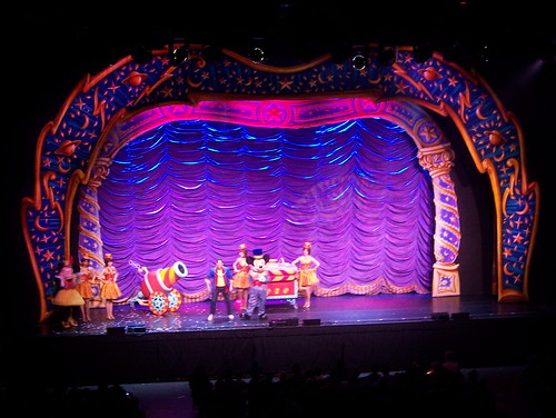 110414 Mickey Mouse Magic Show 18