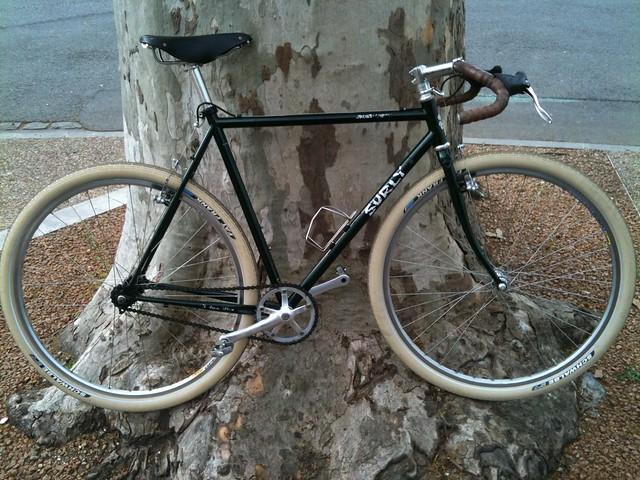 Avez-vous un deuxième vélo pour les ballades, les vacances... ? - Page 2 5842837787_349fc8797f_z