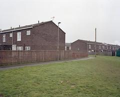 untitled, Birmingham, 2017 ([Photom]) Tags: 120 6x7 birmingham kodakportra400 mamiya7ii newtopographics places uk film residential housing estate