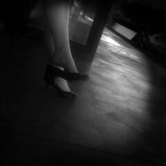 wait (B.S. Wise) Tags: bw feet photography foot shoe photo waiting bart dirty trainstation wait vignetting ambiguous bradwise bradswise daydreamers therulesofattraction flickraddicts fauxfilm noircity iloveblackandwhite bswise livinginblackandwhite whatyouseeiswhatyouare blackwhitephotoszapraszamchallengeofthemonth invisablemood continuesframes lifeupcloseinmonopostandaward3otherwilldosametoyou artofbodylanguage storiesretoldrearwindowchapter texturedngrainyjulycontest legleginyoureyes vifnette